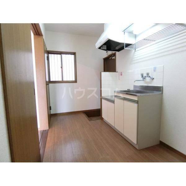 シュンハイツ唐木田 103号室のキッチン