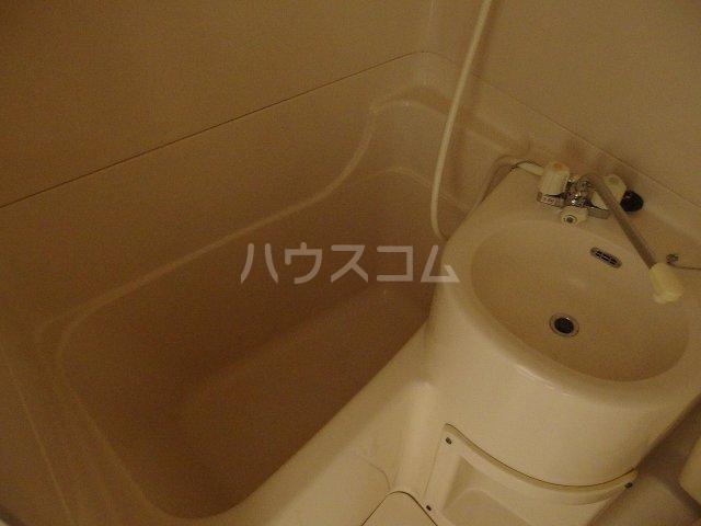 日宝1号館 204号室の風呂