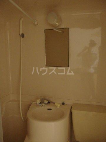 日宝1号館 204号室の洗面所