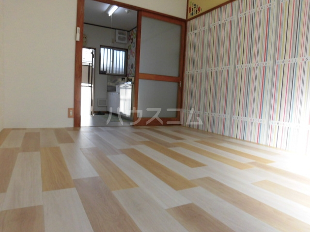 コーポ内藤 15号室の居室