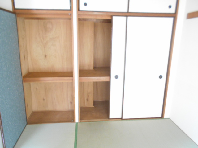 シャトルブラウンB 303号室の収納