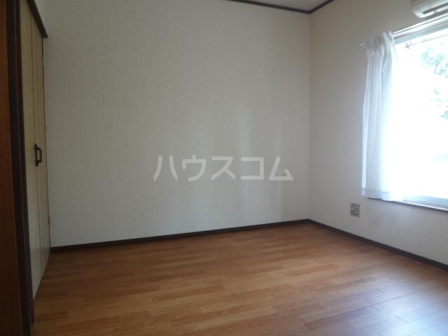 コーポワタナベ 102号室のリビング