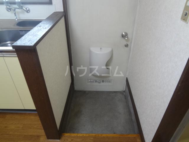 コーポワタナベ 102号室の玄関