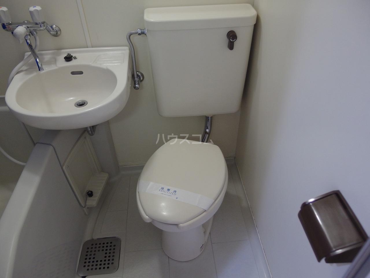 ビアメゾン高幡不動 104号室のトイレ