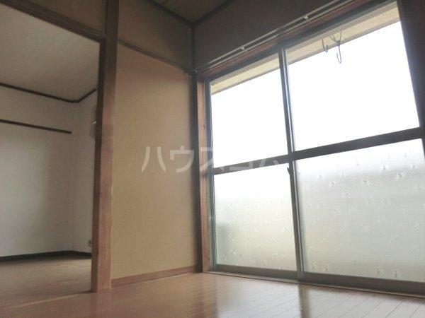 レジデンス南平1号棟 201号室の居室