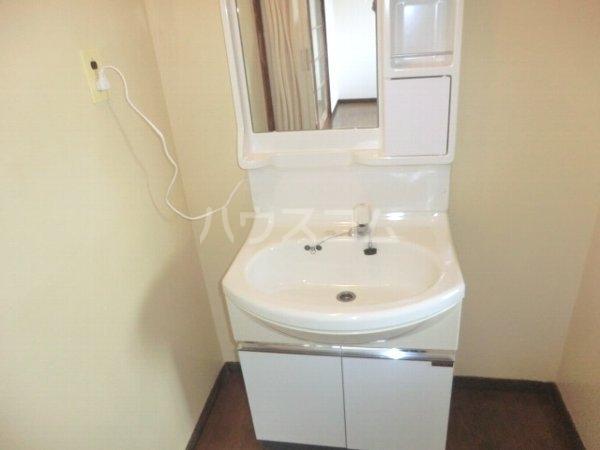 レジデンス南平1号棟 201号室の洗面所