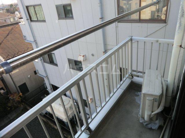 峰岸ビル 302号室のバルコニー