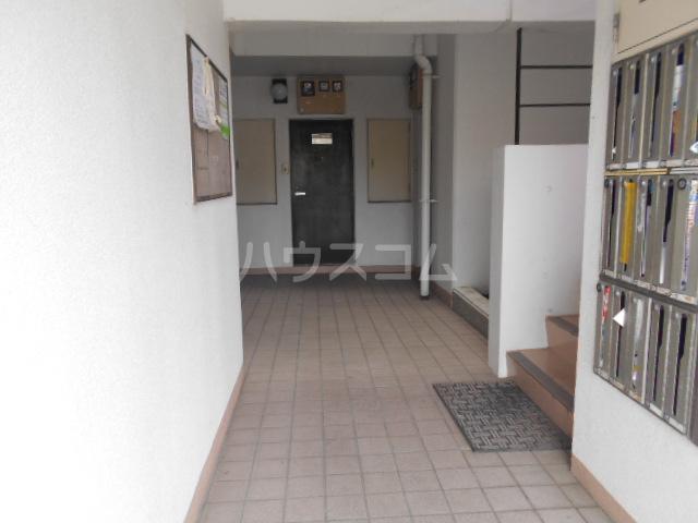 アベニューⅡ 405号室の玄関