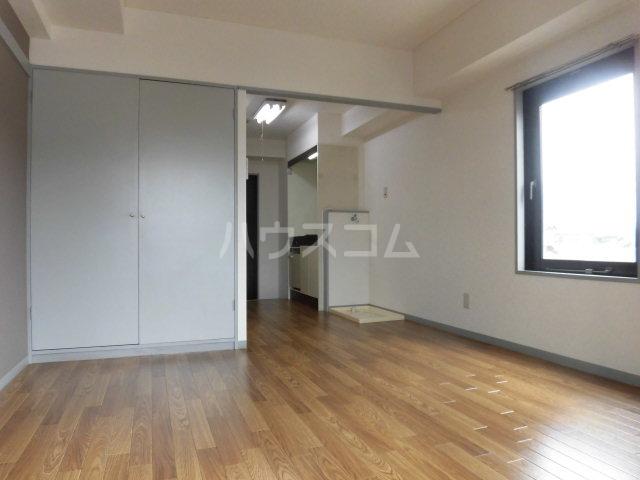 横川田口ビル 208号室のリビング