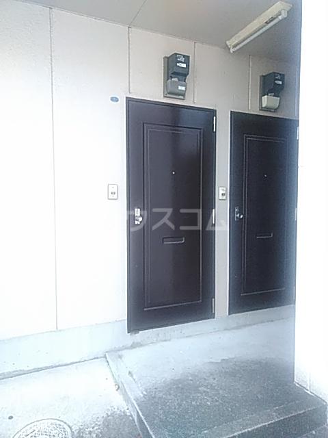 ジェネシス平成 101号室の玄関