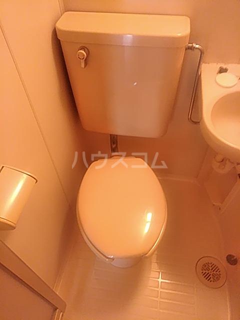 ジェネシス平成 101号室のトイレ
