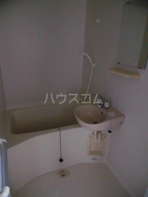 メゾンゆうしん 203号室の風呂