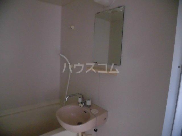 メゾンゆうしん 203号室の洗面所