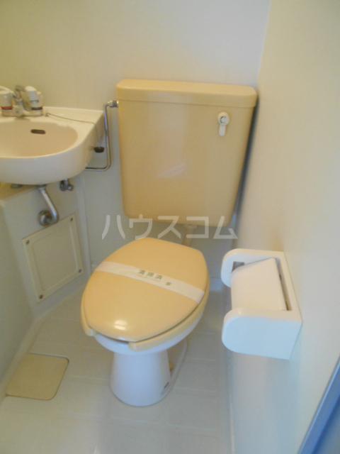 アルペンみの 301号室のトイレ