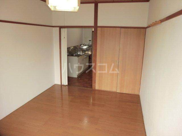 ハイツ旗野Ⅱ 202号室の居室
