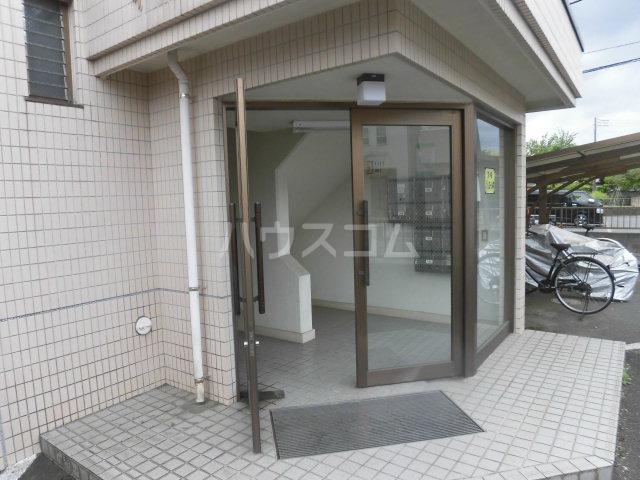 中澤マンション 201号室のエントランス
