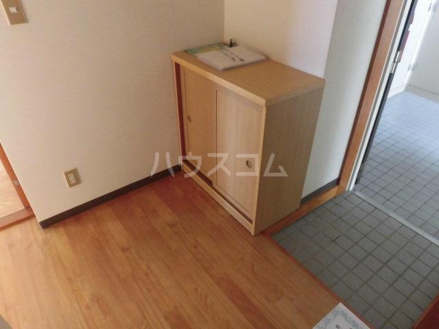 中澤マンション 201号室の玄関