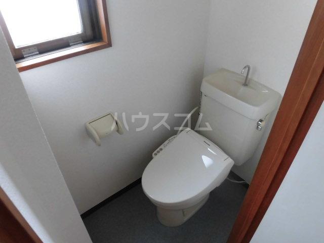 中澤マンション 201号室のトイレ