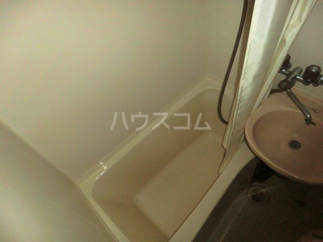 シャトー若杉 305号室の風呂