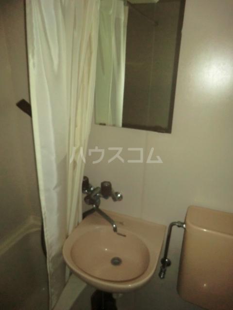シャトー若杉 305号室の洗面所