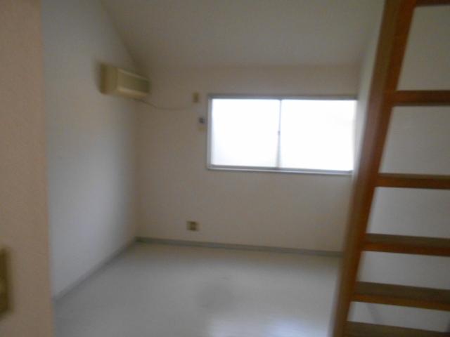 セフィール程久保 106号室のリビング