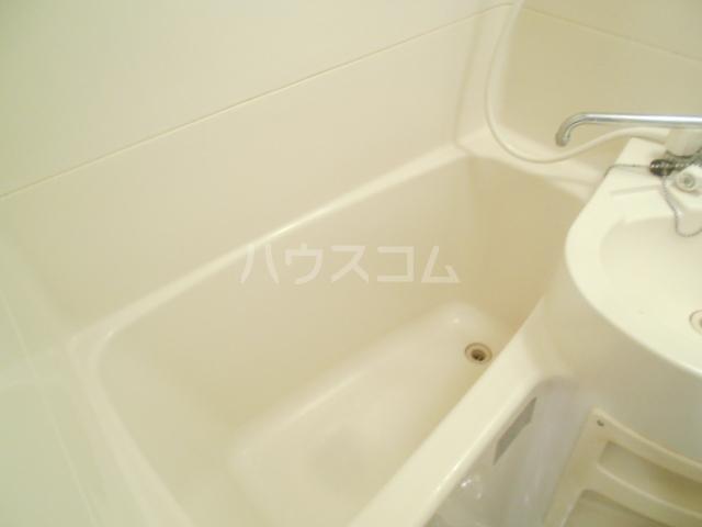 メゾン南平 A401号室の風呂