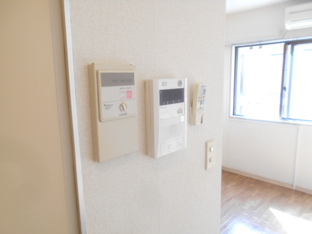 サンドルフ多摩 105号室のセキュリティ