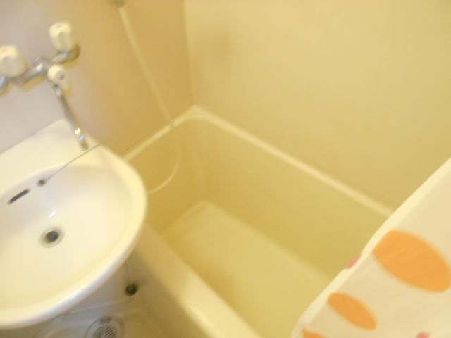 サンドルフ多摩 105号室の風呂