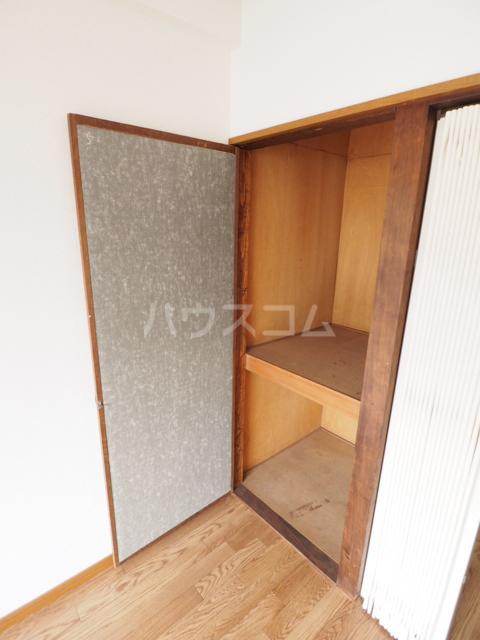 コーポ瑠璃 402号室の収納