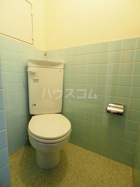 コーポ瑠璃 402号室のトイレ