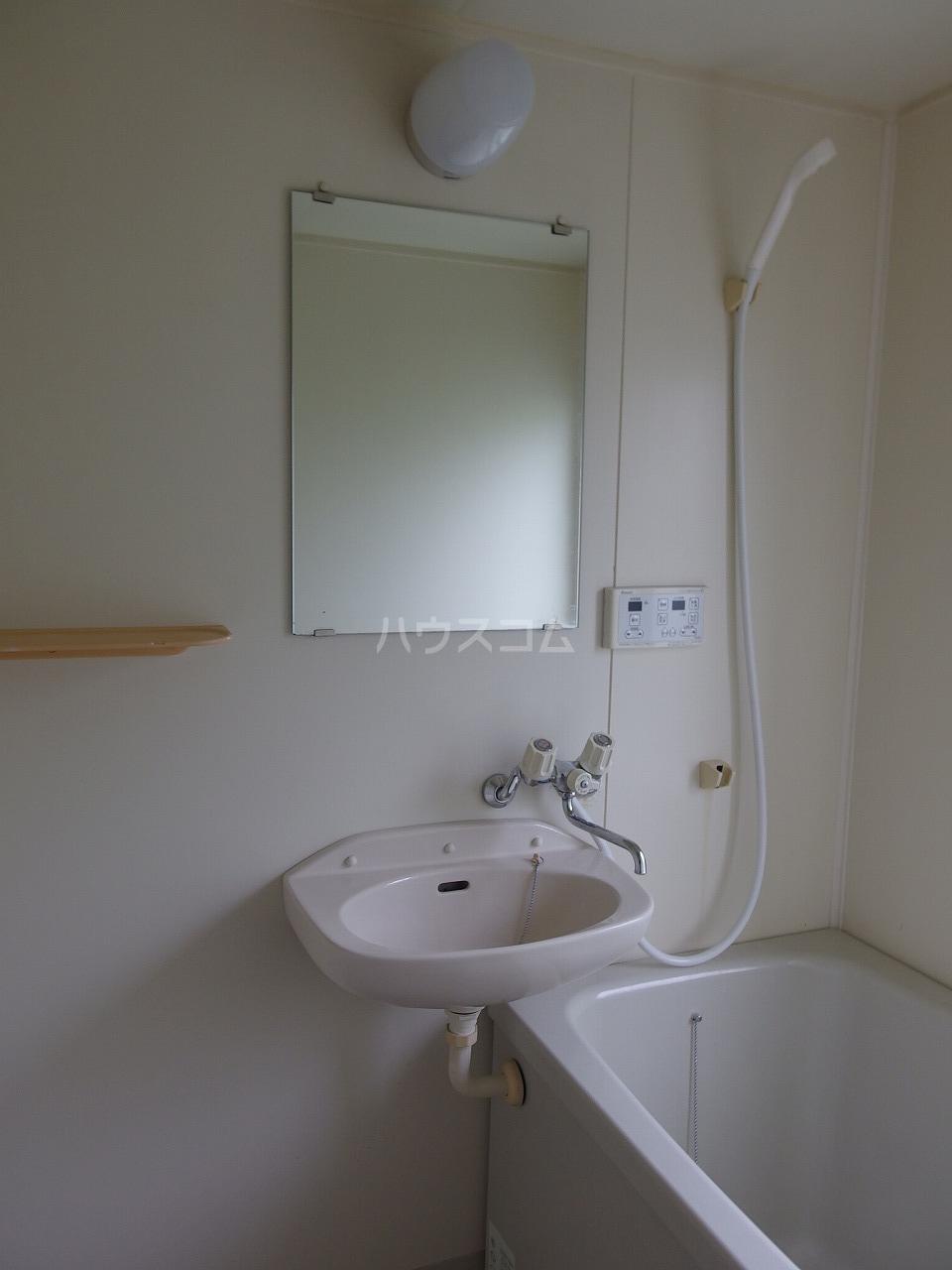 レオパレス南野 200号室の洗面所