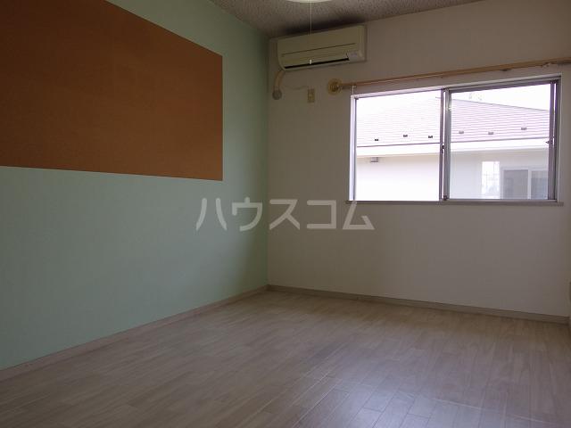 ラフィーナ21 202号室のリビング