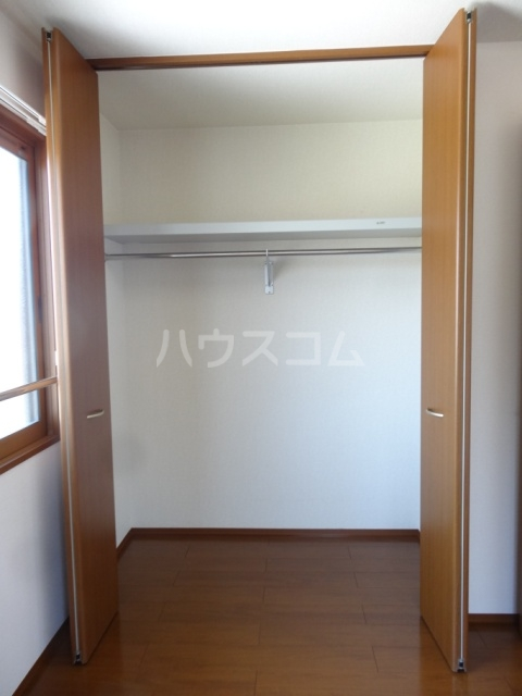 ヴォーン 102号室の玄関