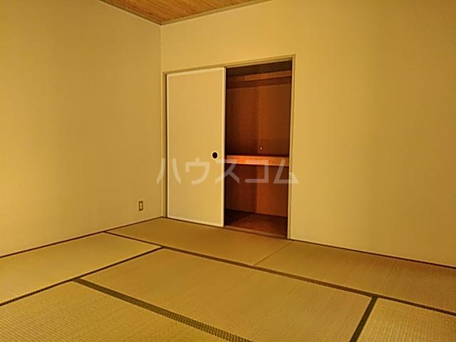 ジョイフル足立 201号室の居室
