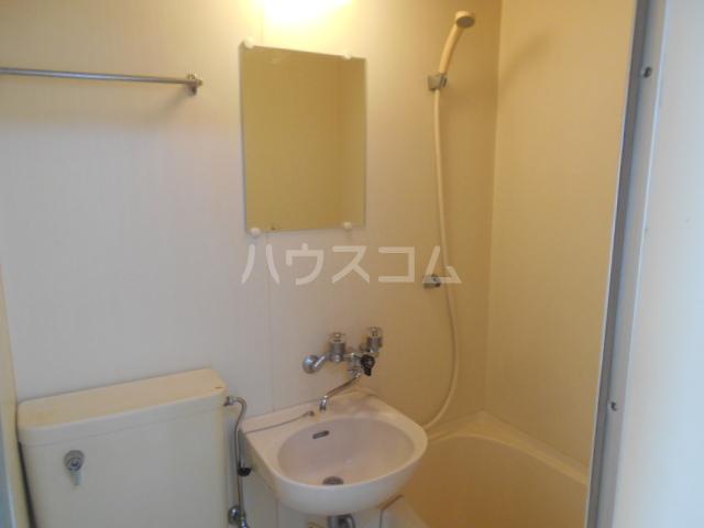 リバーサイド大塚 101号室の洗面所