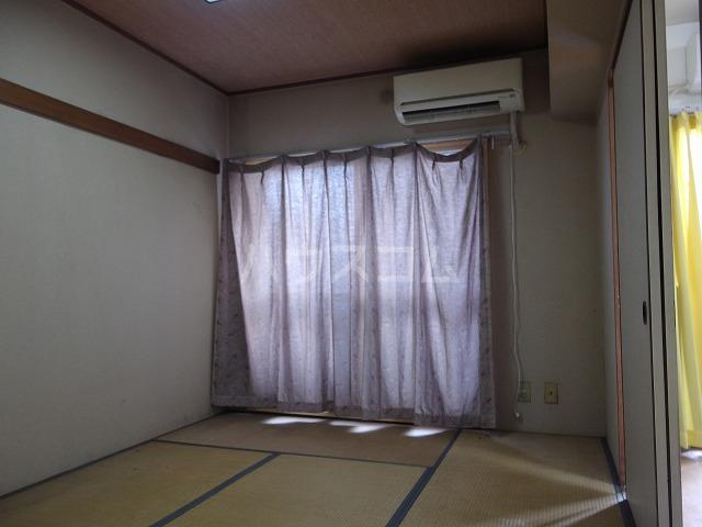グローリア初穂聖蹟桜ヶ丘 101号室の居室