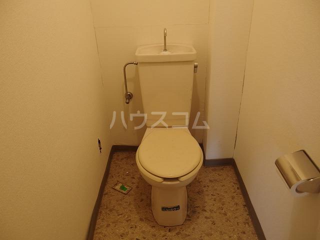 グローリア初穂聖蹟桜ヶ丘 101号室のトイレ