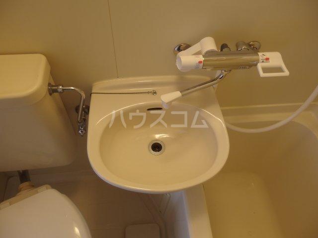 ラトゥールアンフィニ 601号室の洗面所