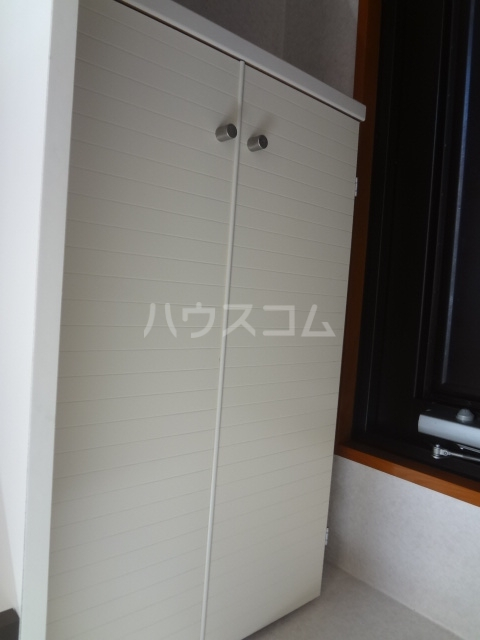 エポック23 201号室の玄関