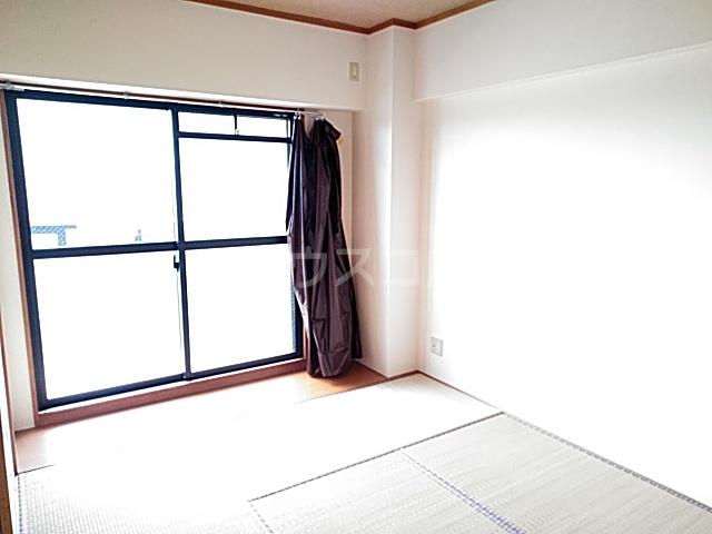 スターキャッスル 302号室のベッドルーム