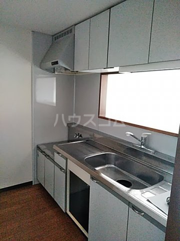 スターキャッスル 302号室のキッチン
