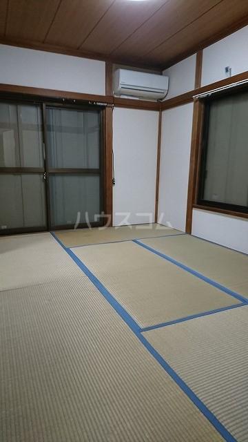 フラット武田 102号室のリビング