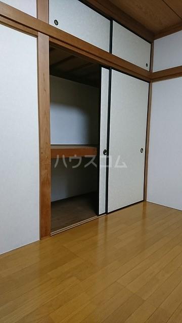 フラット武田 102号室の収納