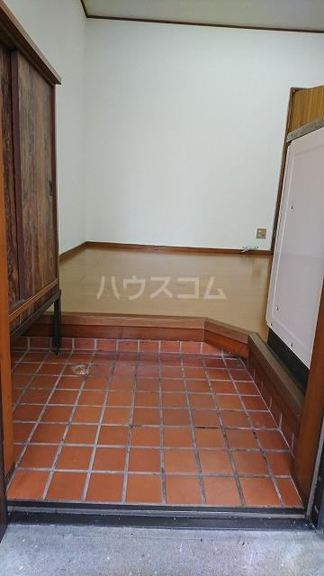 フラット武田 102号室の玄関