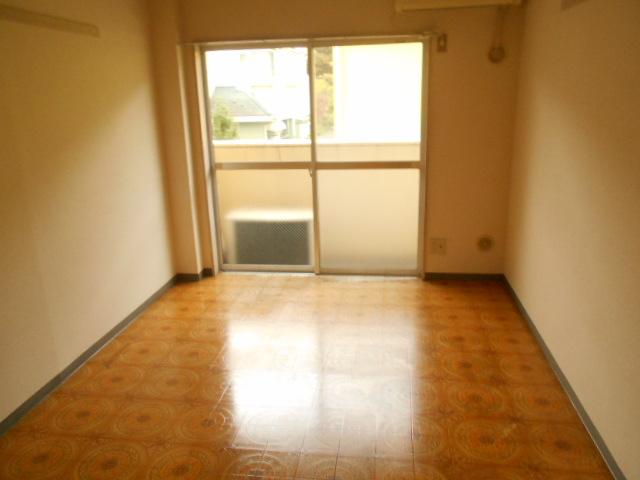 セントヴィラ貝取 306号室のリビング