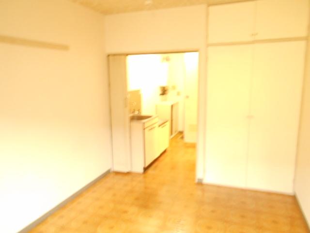 セントヴィラ貝取 306号室の居室