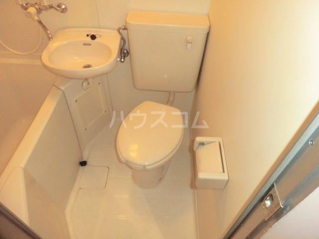 平岡マンション 106号室のトイレ