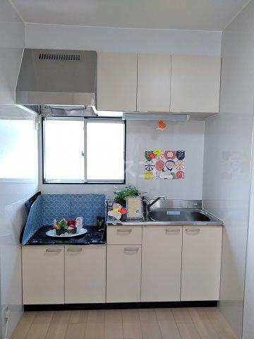 ツインズ新川 B棟 205号室のキッチン