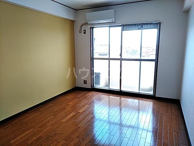 グリーンハイツ浅野 3B号室のリビング