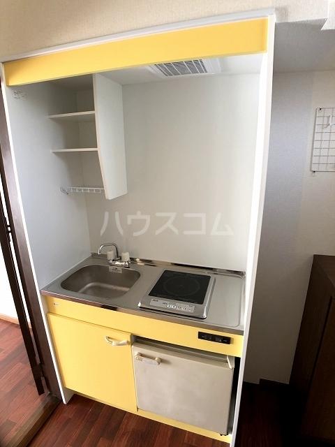 ラフォーレ錦 202号室のキッチン